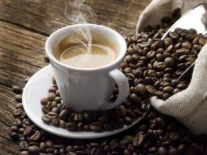 Gausus prakaitavimas nuo kofeino